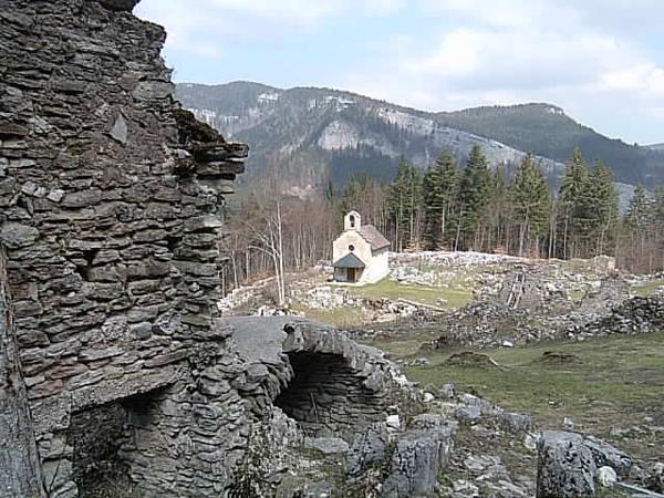 Ruines de Valchevrière - Vercors - photo Joce