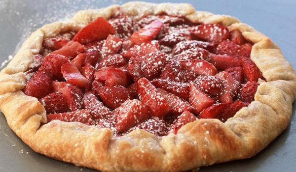 Gâteau de fraises juteuses