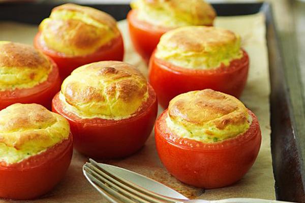 Tomate et soufflé au fromage de chèvre frais