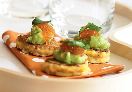 Blinis guacamole oeufs de saumon
