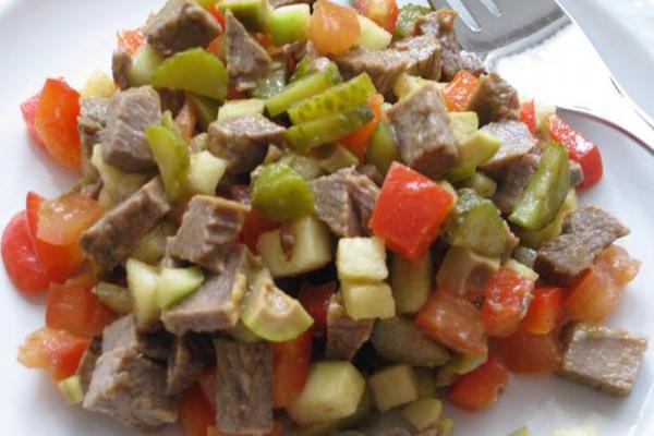 Salade de boeuf au paprika et petits légumes