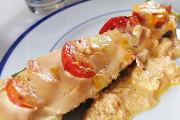 Courgettes farcies tomate jambon mozzarella sauce crémeuse