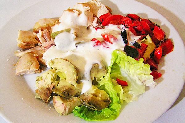 Autre présentation poulet froid, salade de légumes