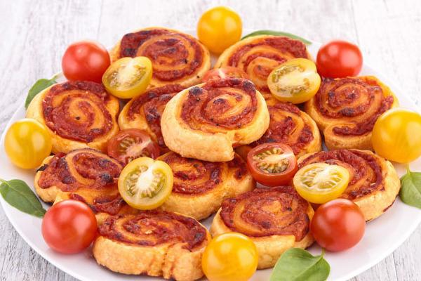 Feuilletés jambon tomate fromage