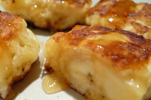 Gâteau de bananes au miel doré