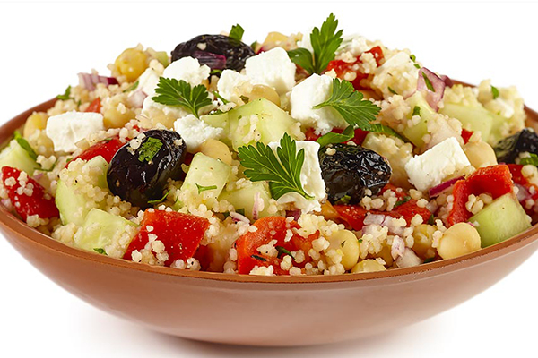 Salade de couscous au fromage frais à l'huile d'olives