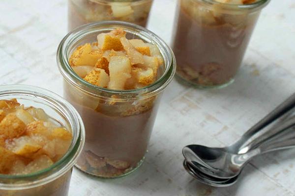 Verrine poire crème chocolat (au lait sur cette image)