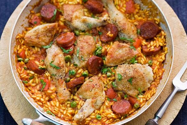 Paella catalane poulet chorizo