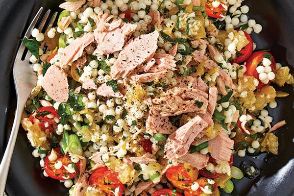 Salade de couscous au thon, citron et menthe fraiche
