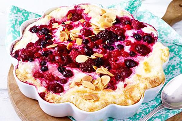 Gâteau de riz fruits rouges amandes effilées