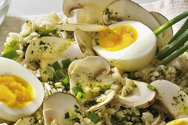 Salade de riz aux champignons frais