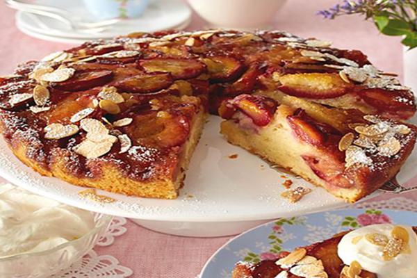 Gâteau renversé aux quetsches caramelisées